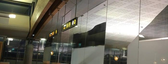 Gate 50 is one of Lieux qui ont plu à Yunus.