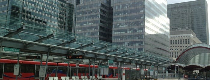West India Quay DLR Station is one of Posti che sono piaciuti a Barry.