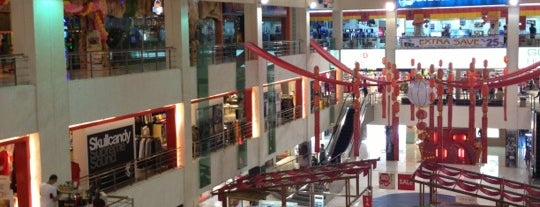 Centro Department Store is one of สถานที่ที่บันทึกไว้ของ Devin.