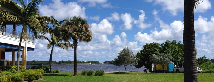 Intracoastal Park is one of Museums, Parks and Schtuff.