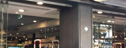 Fnac Napoli is one of Lugares favoritos de Tony.