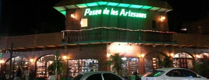 Paseo de los artesanos is one of Locais curtidos por Alejandro.