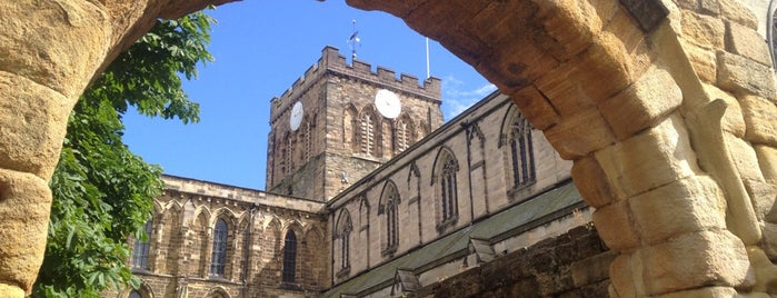 Hexham Abbey is one of Tempat yang Disukai Carl.