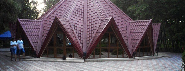 Парк победы is one of Vasylynaさんの保存済みスポット.