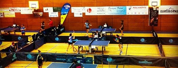 Complexe Sportif Laburnie is one of Locais curtidos por Khalid.