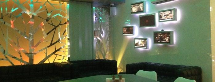 Cafe Studio 89,5fm is one of Lieux sauvegardés par Inna.