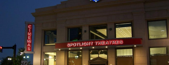 Spotlight Theatres Front Street 4 Theatre & Bistro is one of Locais salvos de JessC ⚓.
