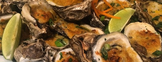 TJ's Seafood Market is one of Aimee 님이 좋아한 장소.