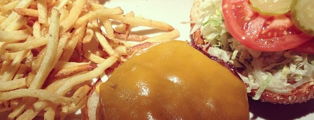 Hillstone Restaurant is one of * Gr8 Burgers—Juicy 1s In The Dallas/Ft Worth Area.