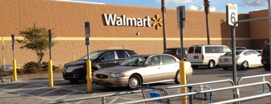 Walmart Supercenter is one of New trip - Compras.
