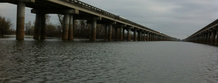 Atchafalaya Basin Bridge is one of Orte, die tara gefallen.