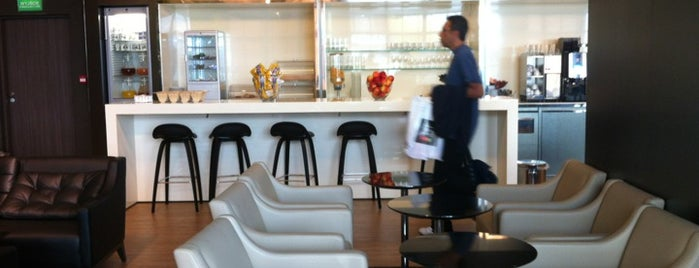Bolero Executive Lounge is one of Tempat yang Disimpan Orietta.