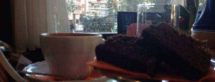 Rialto Caffe Wine Bar is one of Guide to Θεσσαλονίκη's best spots.