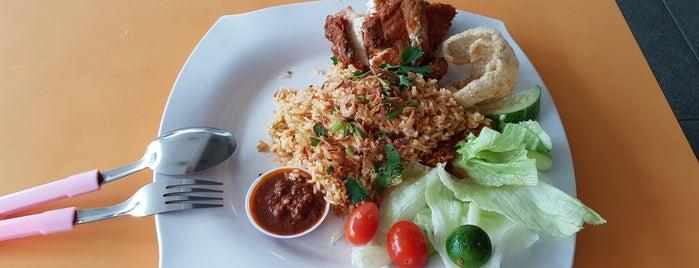 Pondok Abang is one of Micheenli Guide: Nasi Ayam Penyet/Goreng in SG.
