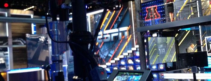 ESPN Studio W is one of Lieux qui ont plu à Ryan.