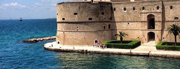 Castello Aragonese is one of Castelli Italiani.
