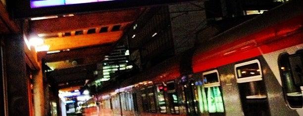 Skøyen stasjon is one of mody.