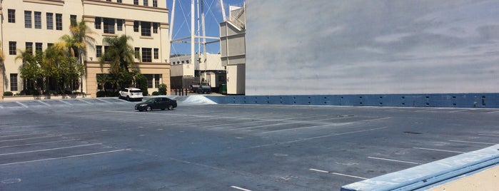 Paramount Studios is one of Orte, die Fernando gefallen.