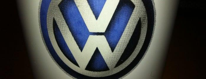 Volkswagen Eskihisar Otomotiv is one of Locais curtidos por Selman.