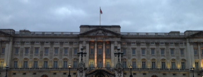 Buckingham Palace is one of The National Palace.