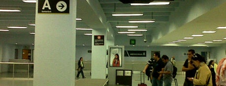 Flughafen Mexico Stadt (MEX) is one of Foursquare City Int'l Airport.