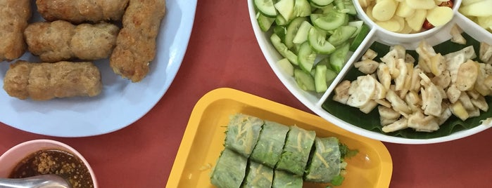 อัมพรแหนมเนือง is one of KKU food.