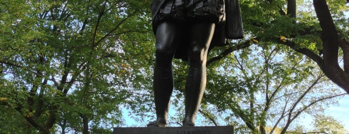 William Shakespeare Statue is one of NEW YORK CITY : Manhattan in 10 days! #NYC enjoy.