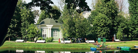 Екатерининский парк is one of Сады и парки Москвы..