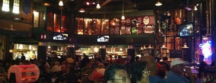 Triple 7 Restaurant & Brewery is one of Fremont Street Pub Crawl Favorites.