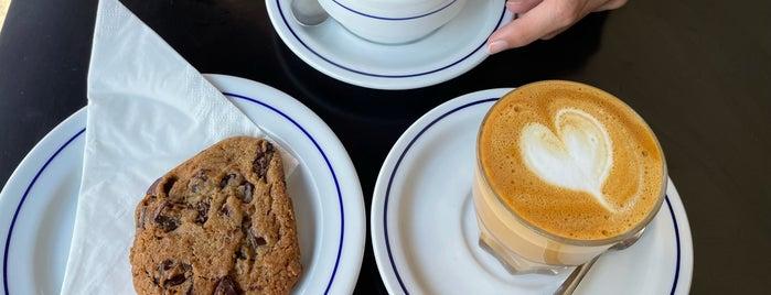 Combi Coffee Co. is one of Porto.