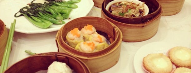 Spring Villa Chinese Cuisine 渝園新閣 is one of Dim Sum :).