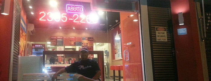 Domino's Pizza is one of Locais salvos de AleXXXandre.