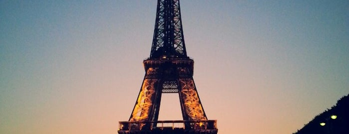 Tour Eiffel is one of Fleur's Paris.