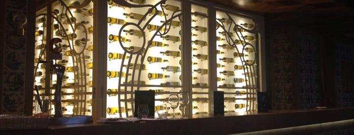 Restaurante Marisquería Tres Encinas is one of Madrid.
