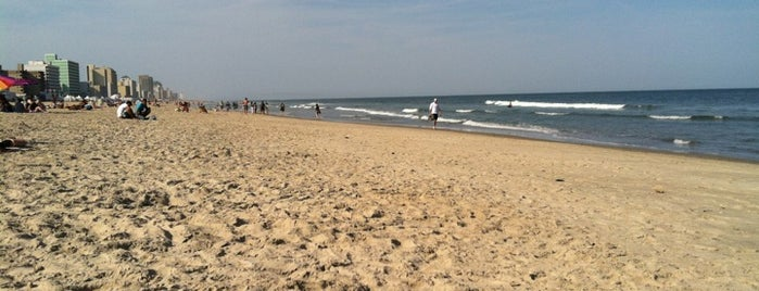 Virginia Beach Oceanfront 19th and Atlantic is one of Posti che sono piaciuti a Crystal.