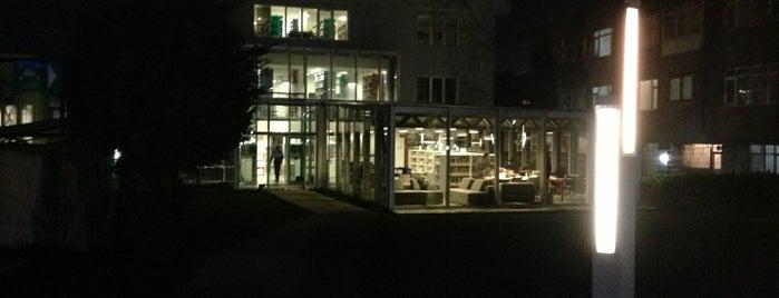 İstanbul Şehir Üniversitesi Kütüphanesi is one of Posti che sono piaciuti a Merve.
