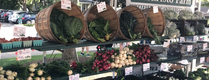 Great Barrington Farmers Market is one of Locais curtidos por Max.