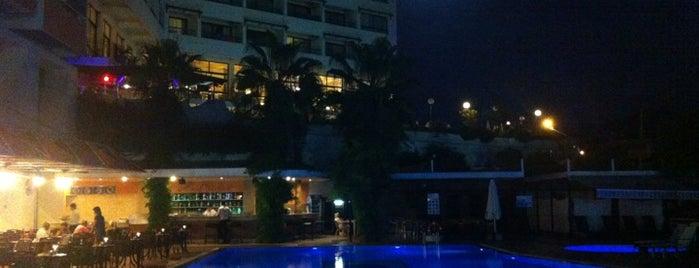 Marina Hotel is one of Tempat yang Disukai 🅱️ekir_ℹ️zmir™π✓.