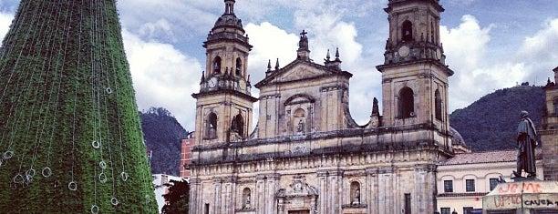 Plaza de Bolívar is one of Lugares para visitar en Bogotá :).