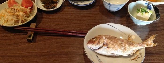 豊島のおばちゃんの店 うらら is one of Eating and Drinking on Teshima.