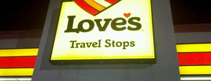 Love's Travel Stop is one of Tempat yang Disukai Heathyr.