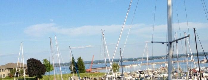 Harbor 22 is one of Tempat yang Disukai Katie.