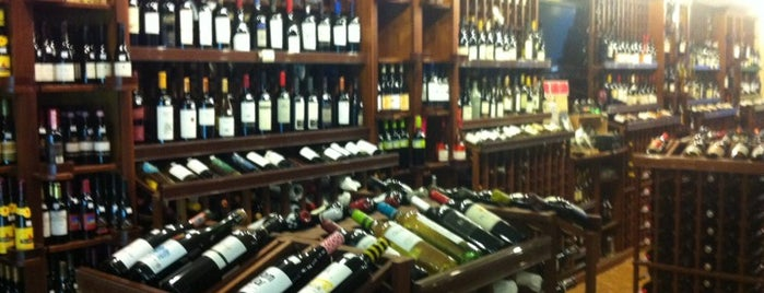 Boston Wine Exchange is one of Tempat yang Disukai Carl.