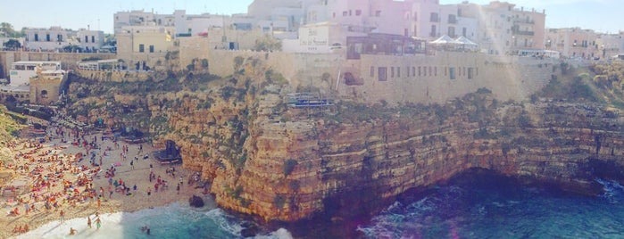 Polignano a Mare is one of Italy.