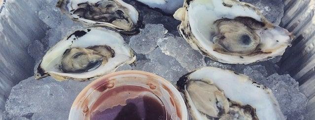Snug Harbor Fish Company is one of Eric : понравившиеся места.