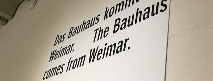 Bauhaus-Museum is one of Posti salvati di Michael.