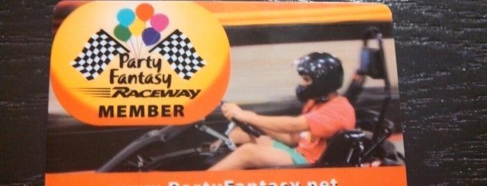 Party Fantasy Raceway is one of Lieux qui ont plu à Sheena.