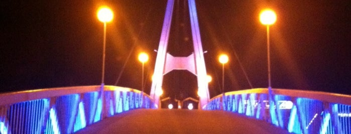 Мост поцелуев is one of สถานที่ที่ Ирина ถูกใจ.