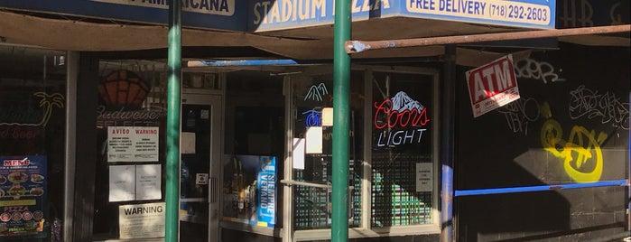 Stadium Pizza is one of Zxavier's Favorites.
