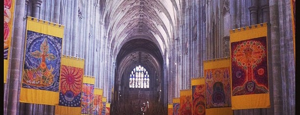 Winchester Cathedral is one of Orte, die Carl gefallen.